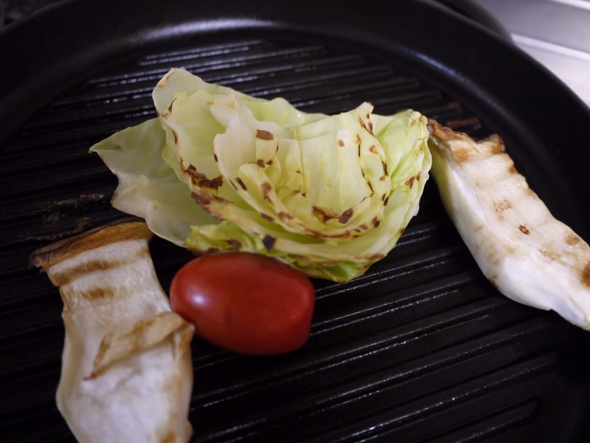 ストウブ ピュアグリル26cm【口コミ】肉、魚、野菜が美味しく焼ける!グリルパンの使い心地とおすすめ感を語る!