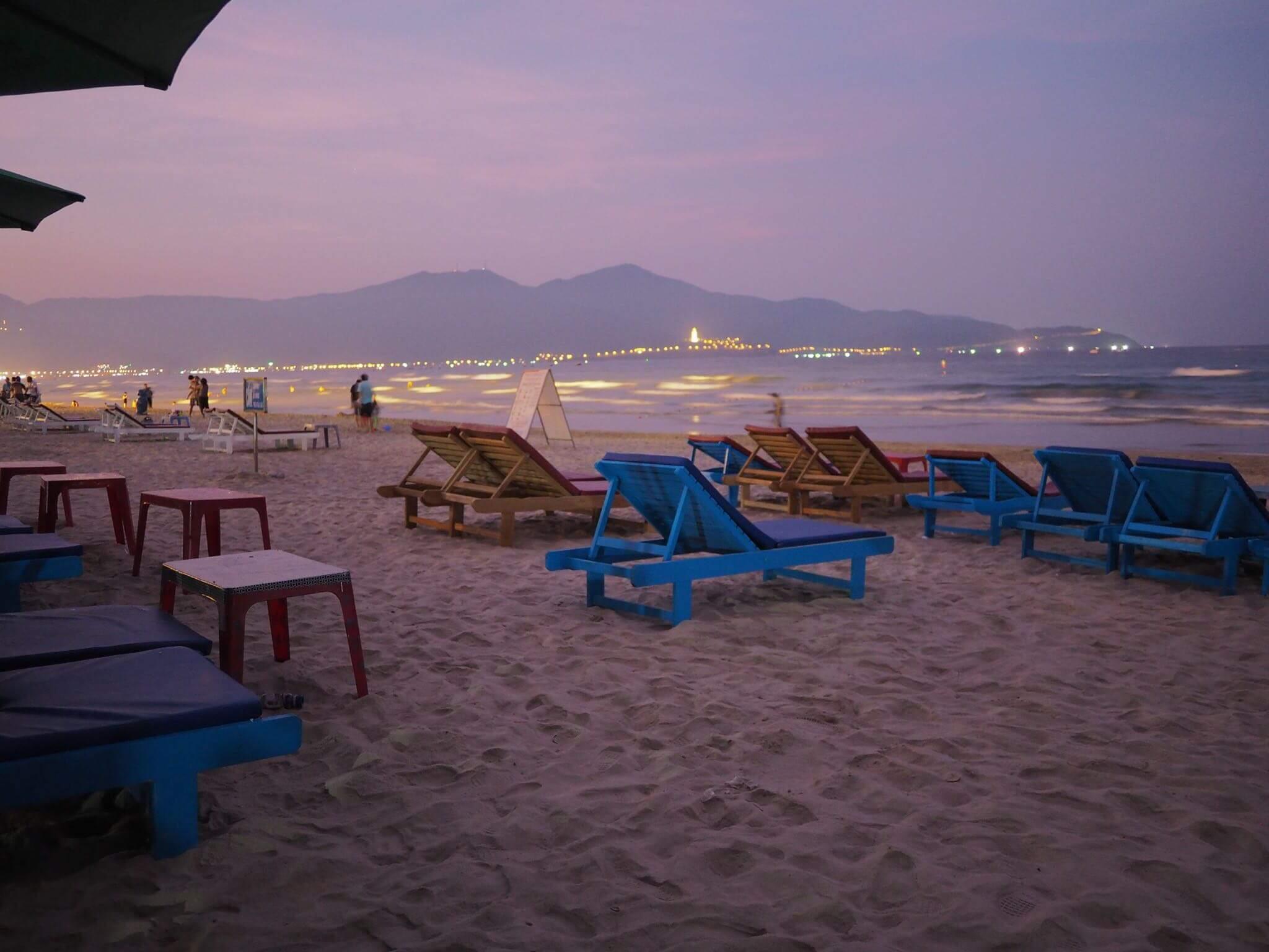 ダナン ミーケビーチは昼と夜で二つの顔を見せてくれる!観光客も少ないのでおすすめ