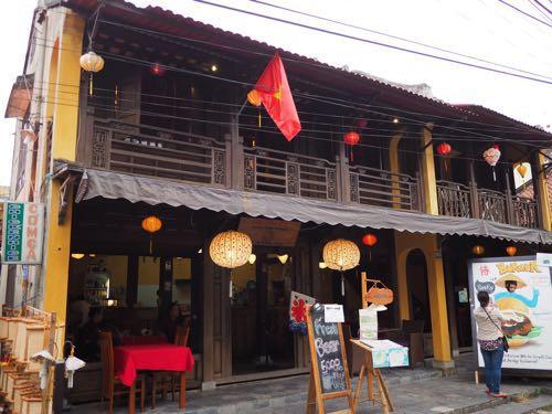 ホイアン ベトナムで初のかき氷!具材はマンゴーとベトナムらしいアノ食材