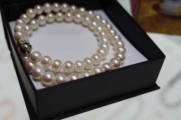 真珠はフーコックの特産品!真珠養殖場なら偽物じゃなくて、高品質の真珠が買えますよ!お土産にどうぞ!