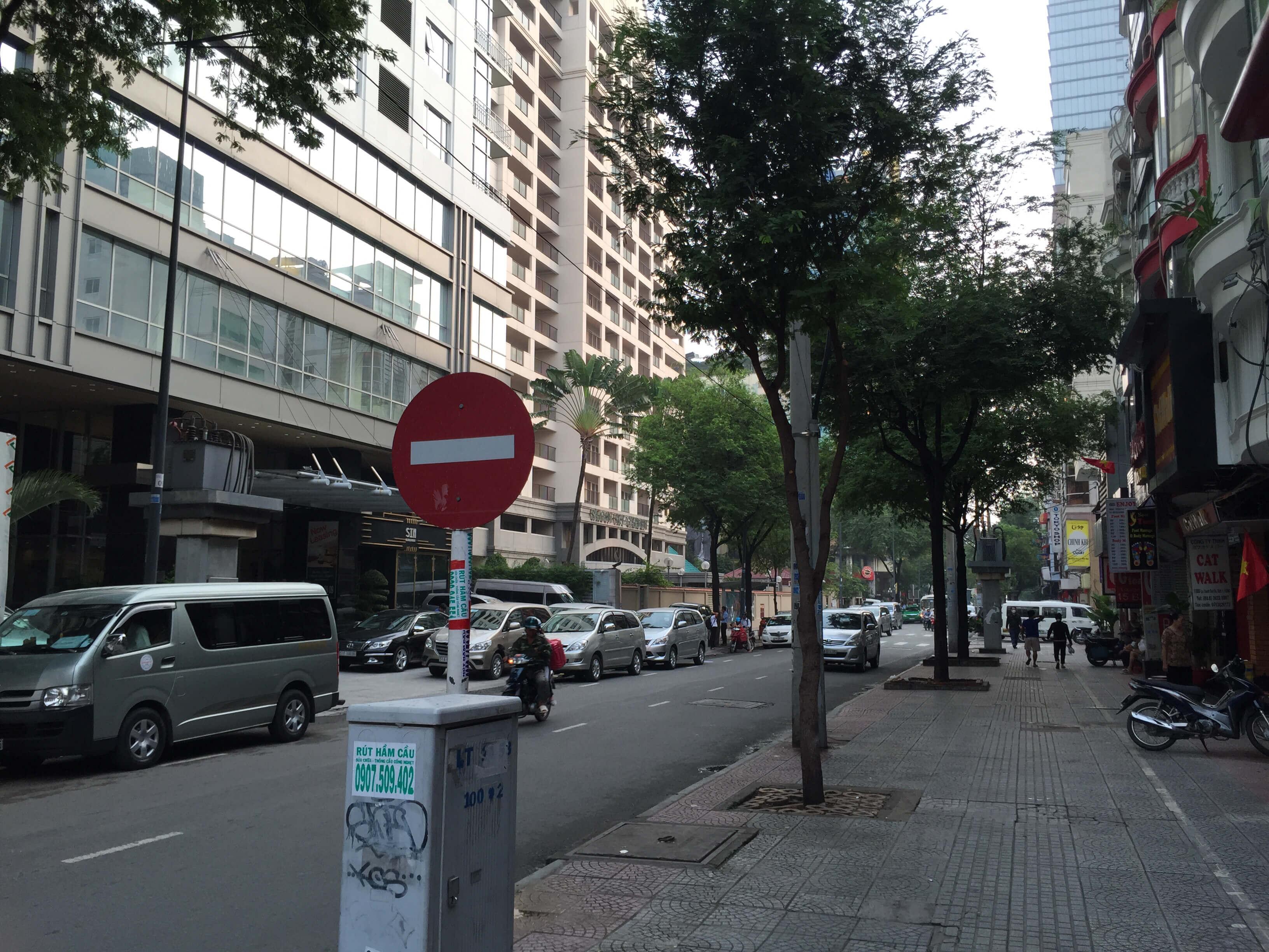 【フォトランニング 】レタントン通りを東へ西へ 日本人街の早朝はこんな雰囲気ですよ