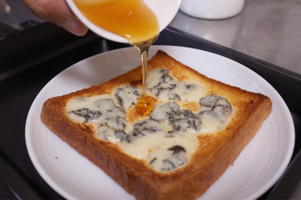 ブルーチーズと蜂蜜