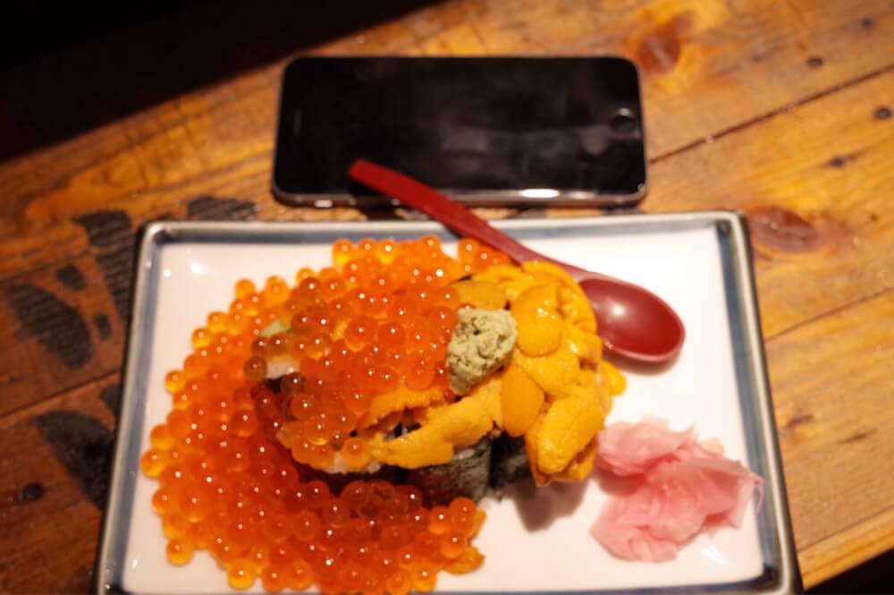 黒門市場 立ち寿司ホルモン新鮮や 日本橋 うに・いくらこぼれ盛り