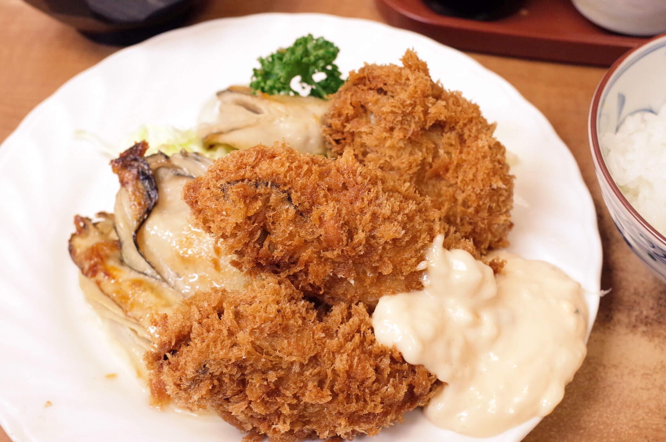 築地『小田保』の牡蠣ミックスフライの季節がやってきた!カキフライとバター焼きの波状攻撃に箸が止まらない