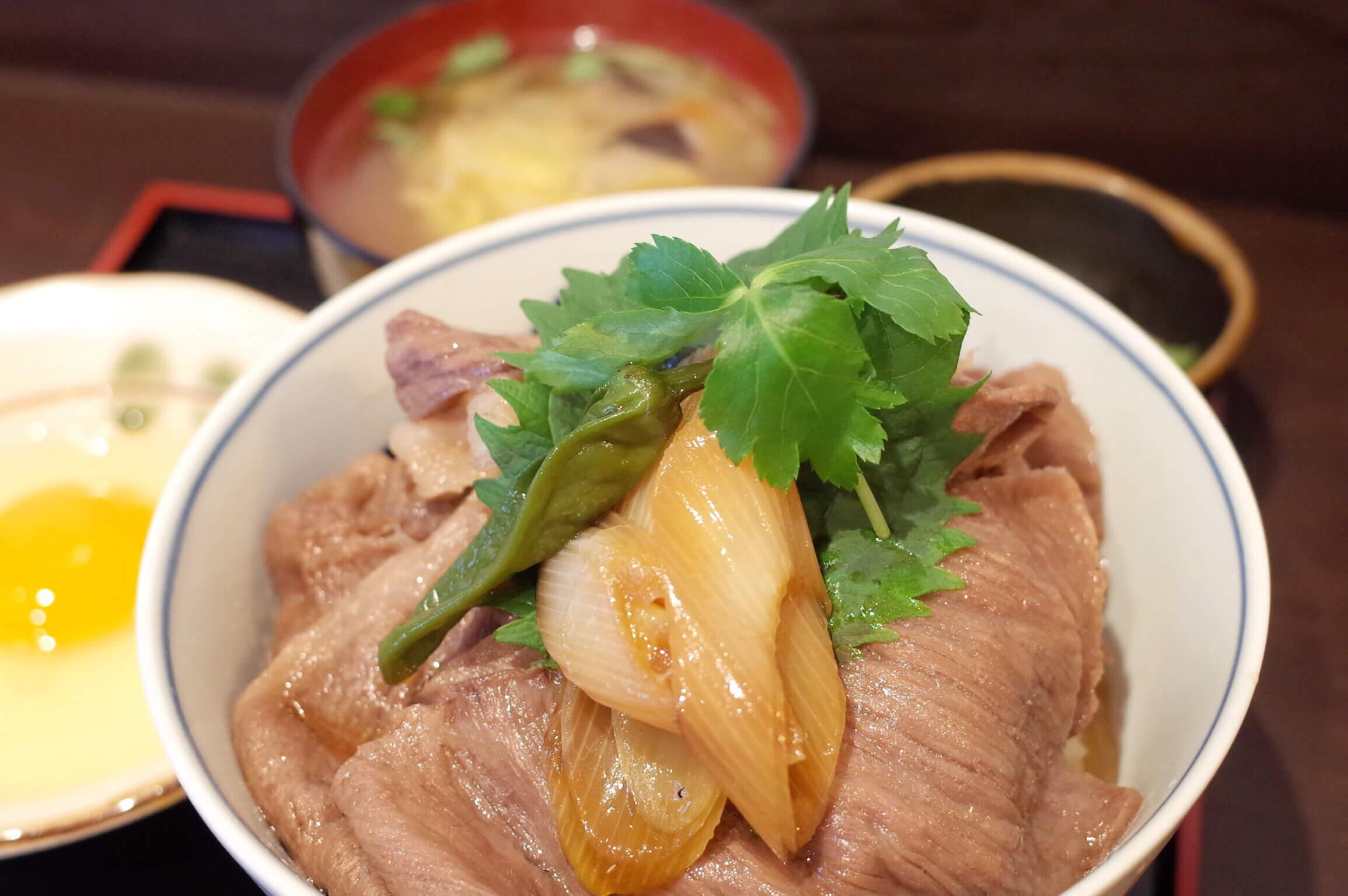 三宮『広重』の神戸牛丼が忘れられない。お手軽価格で最高の牛丼ランチを堪能!!!