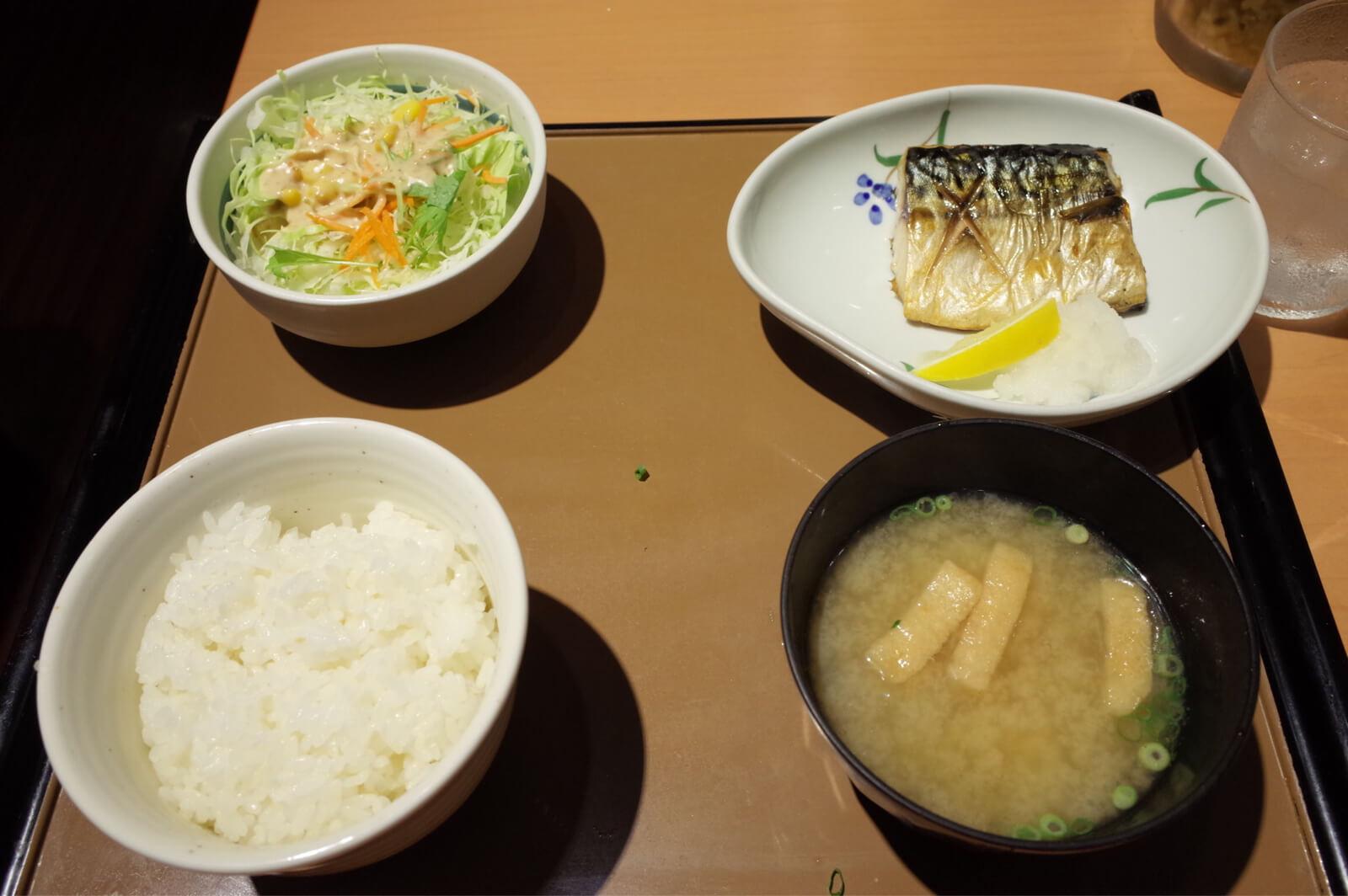 ダイワロイネット 大阪上本町 やよい軒 焼魚