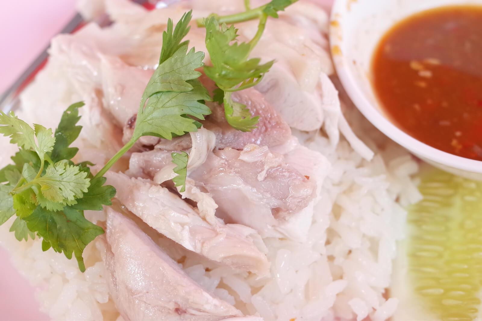 バンコク シーロム 朝食 カオマンガイ