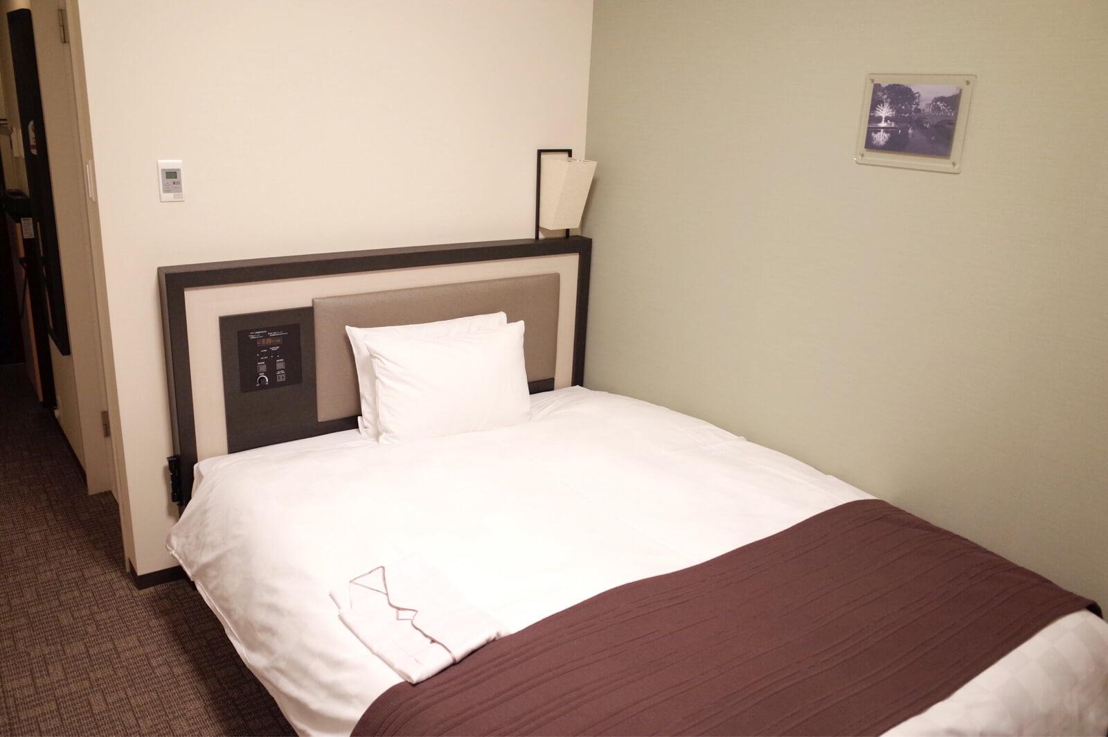 ダイワロイネット 北浜  ベッド