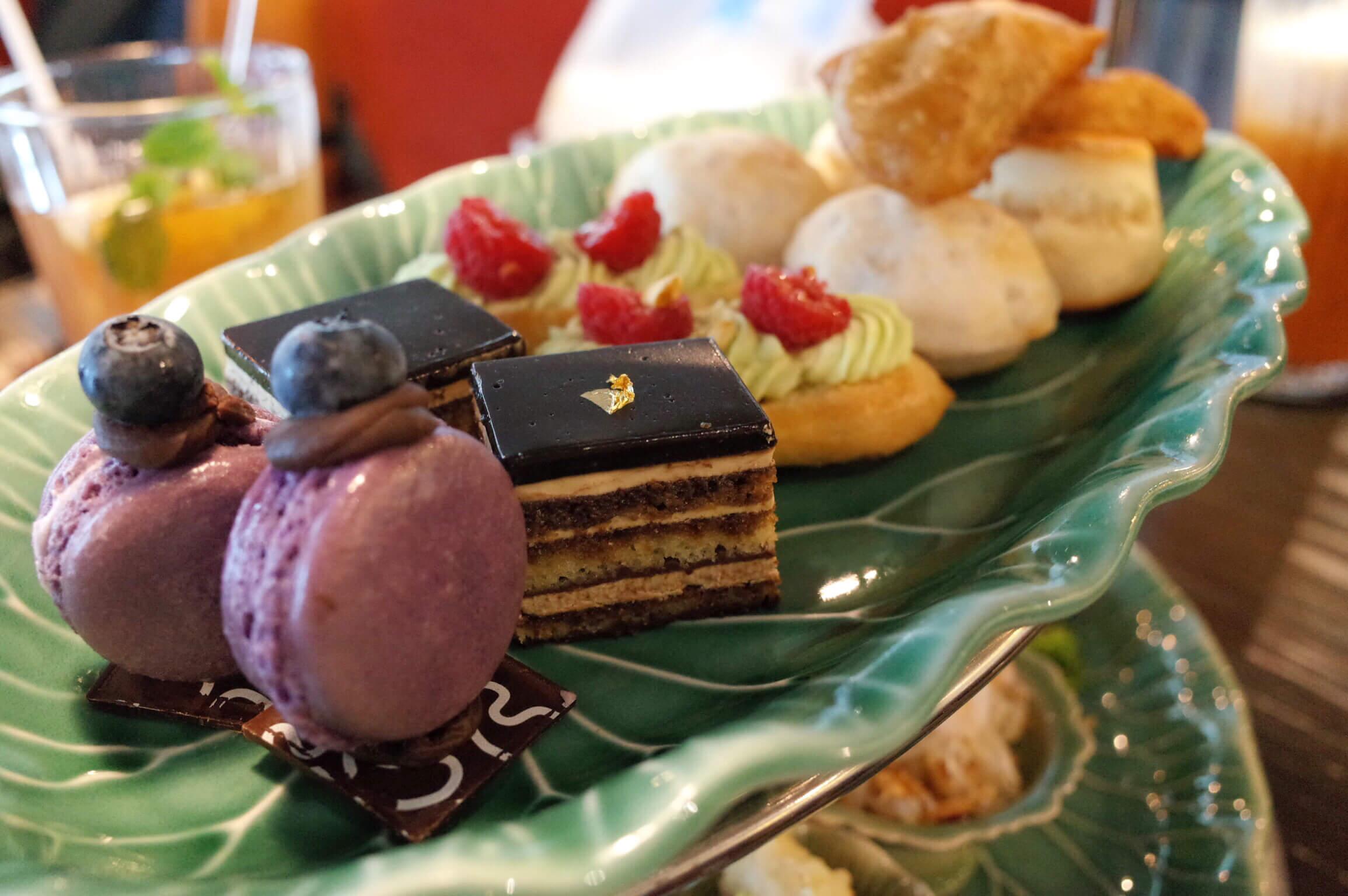 エラワン・ティールーム バンコク〜 アフタヌーンティーは量も味も満足!タイスイーツで優雅な午後を!