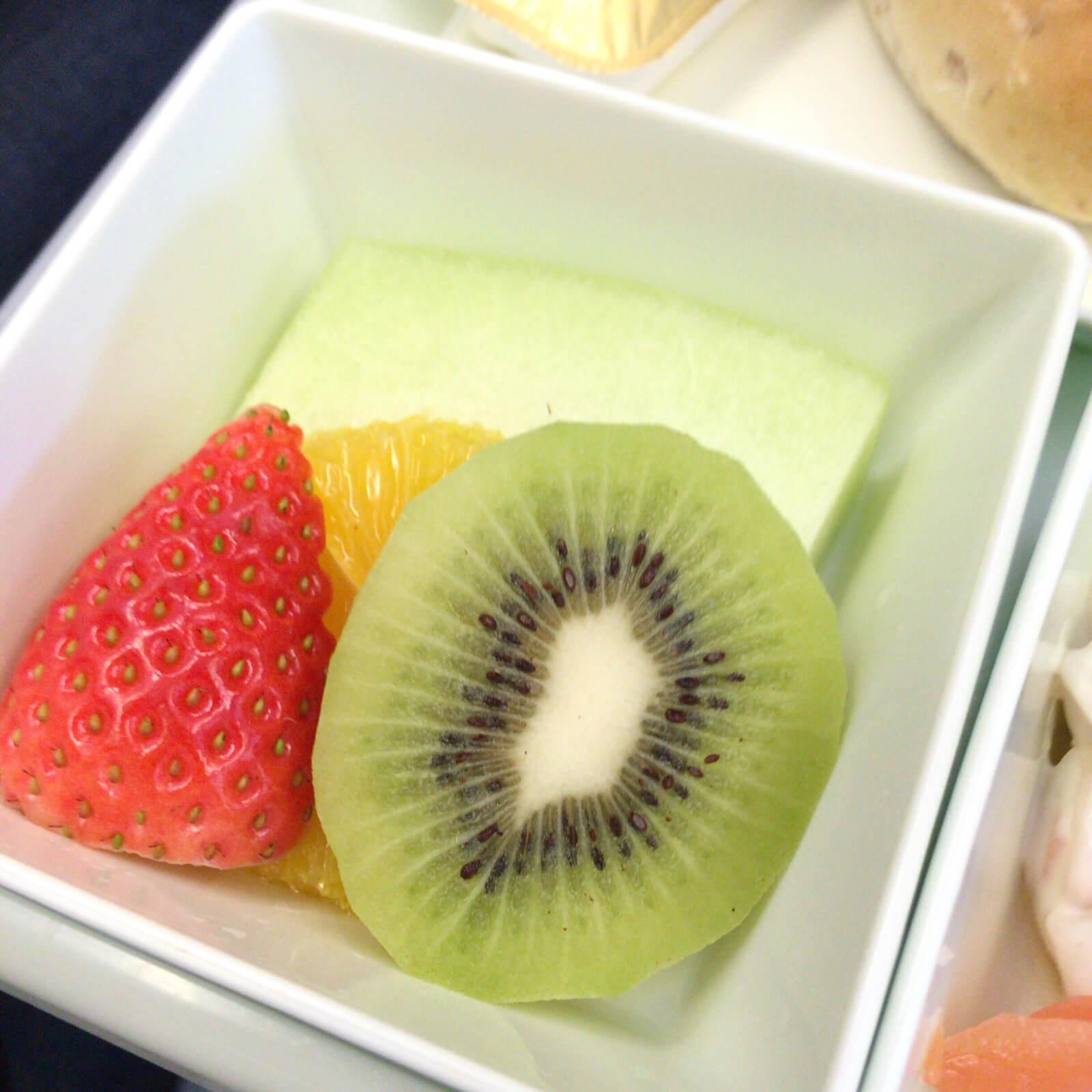 ベトナム航空 機内食 果物