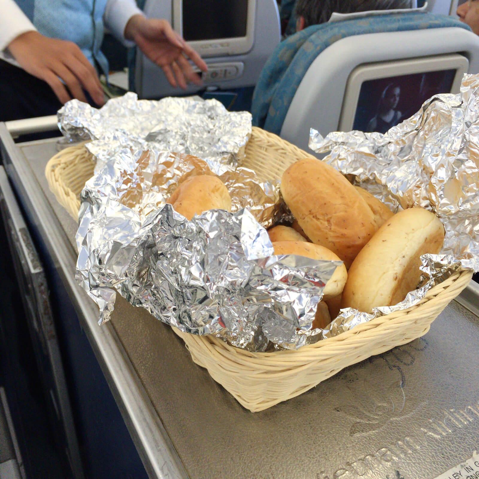 ベトナム航空 機内食 パン