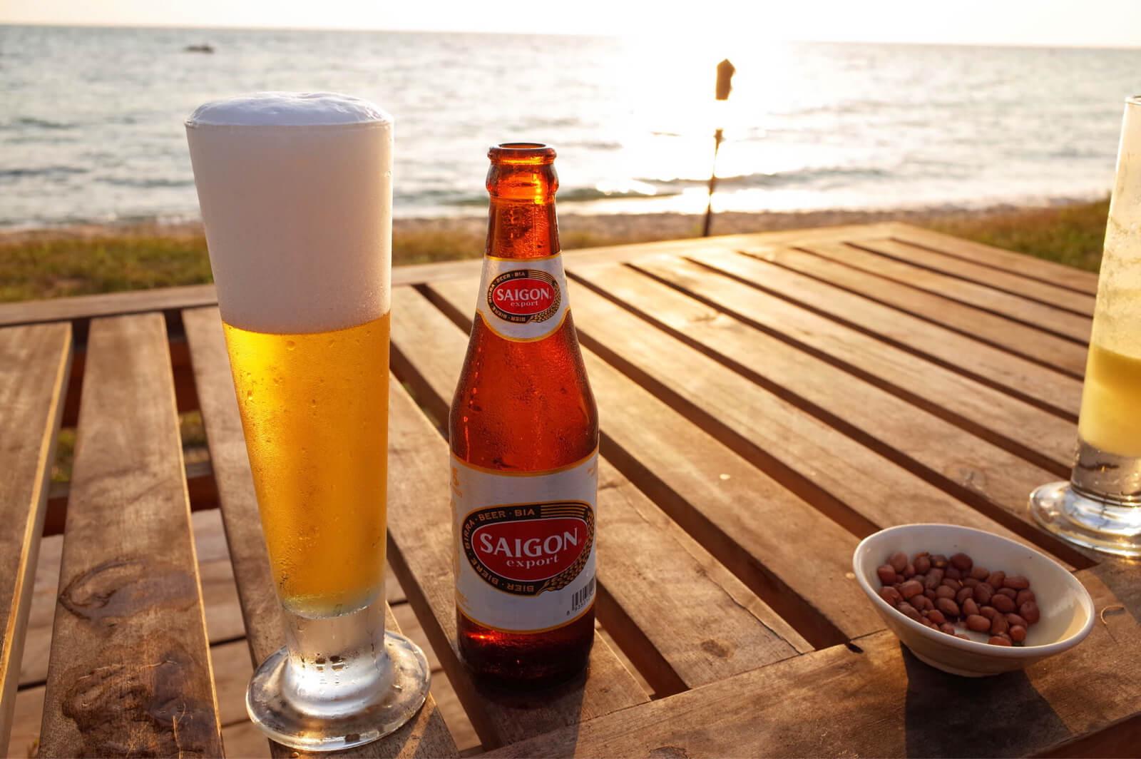 マンゴーベイ リゾート デッキ ビール