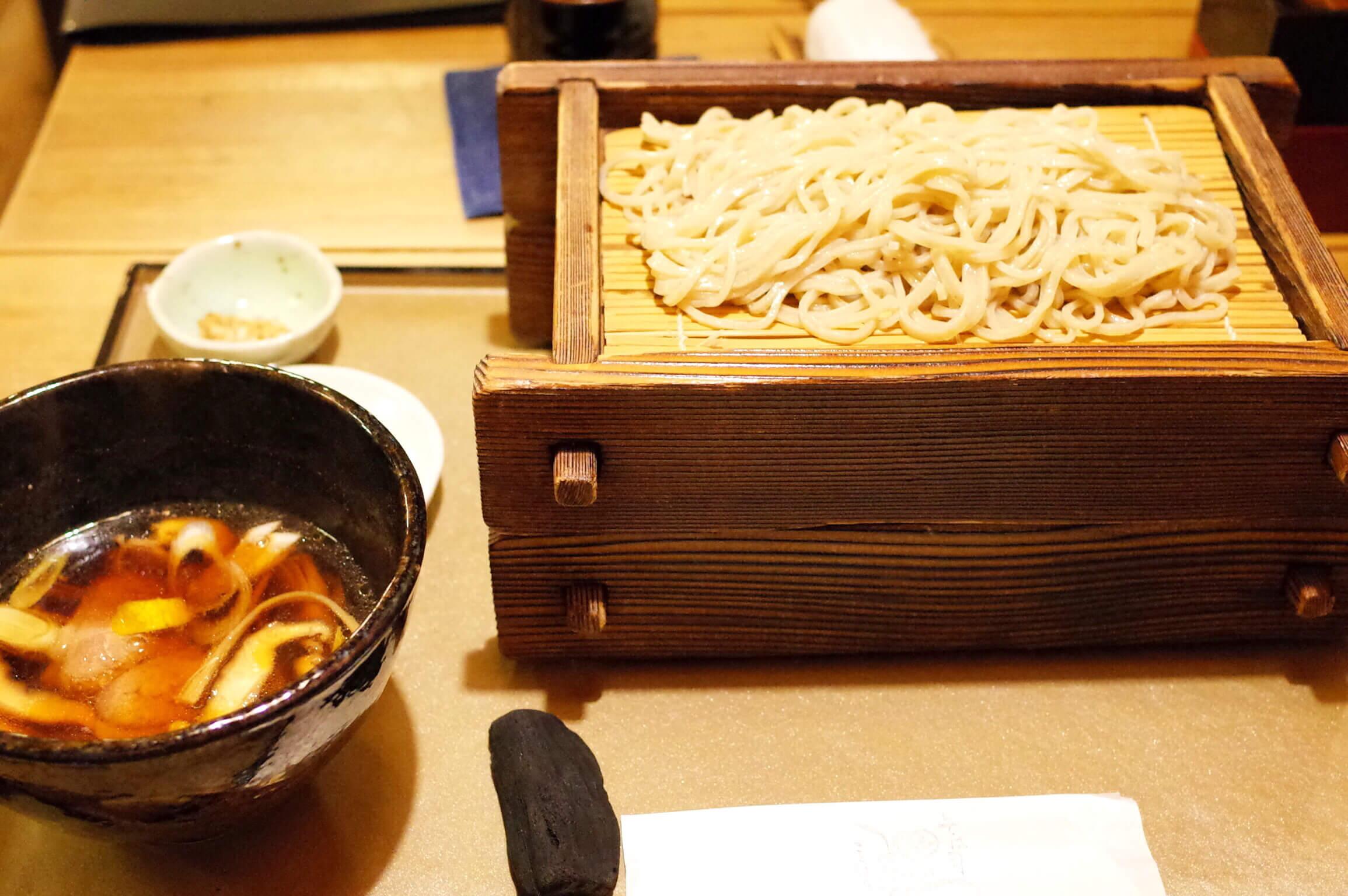 理 守口市 | 塩で食べるもりそばに感動!しっぽりと日本酒も楽しめる名店