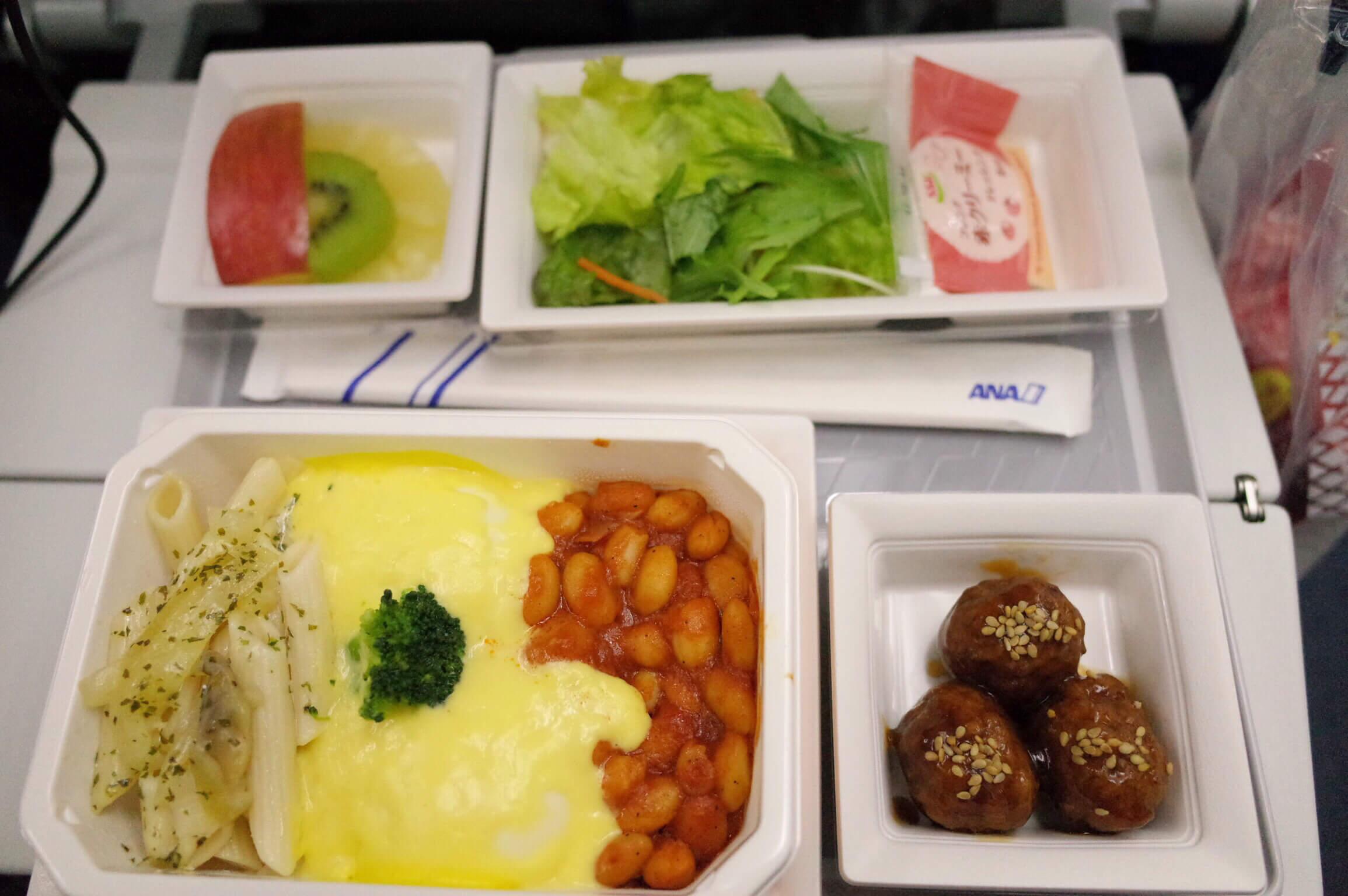 全日空NH849   羽田からバンコクにエコノミークラスでフライト ANA特典航空券を利用