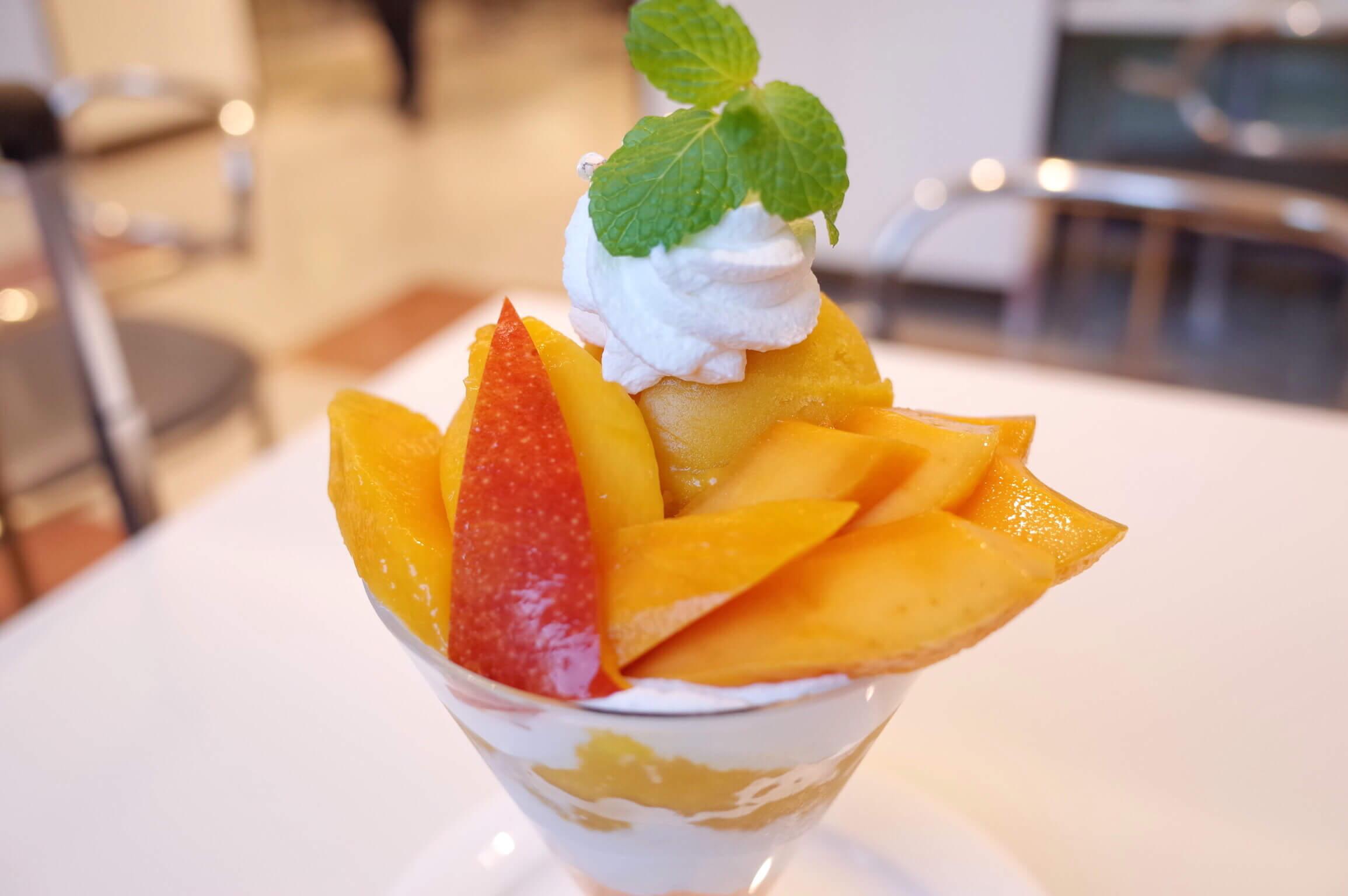 タカノフルーツパーラー 宮崎・メキシコマンゴーのパフェは味比べができてお得ですよ