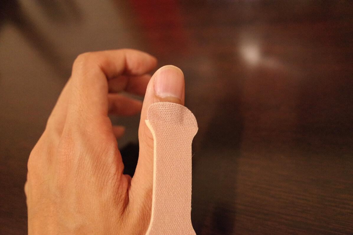 指かるテープ