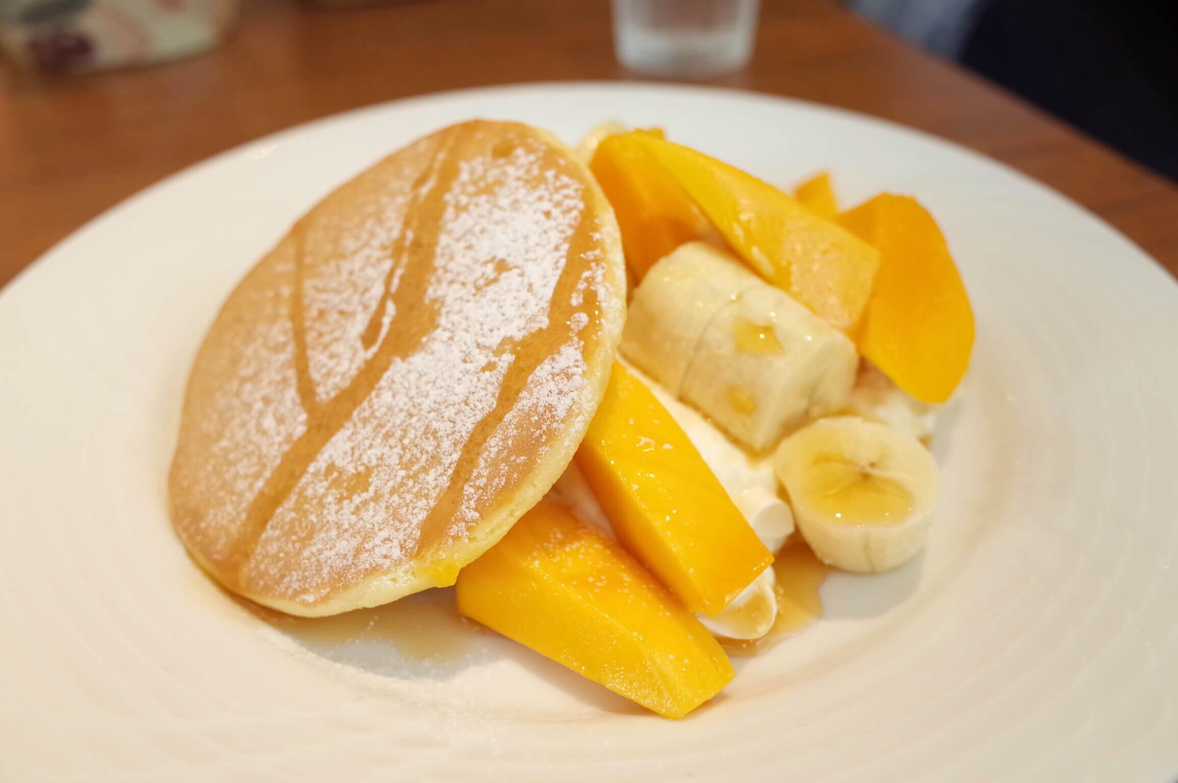 果実園リーベル 目黒 〜 名物のパンケーキはフルーツたっぷり!モーニングセットは朝7時半から食べられる