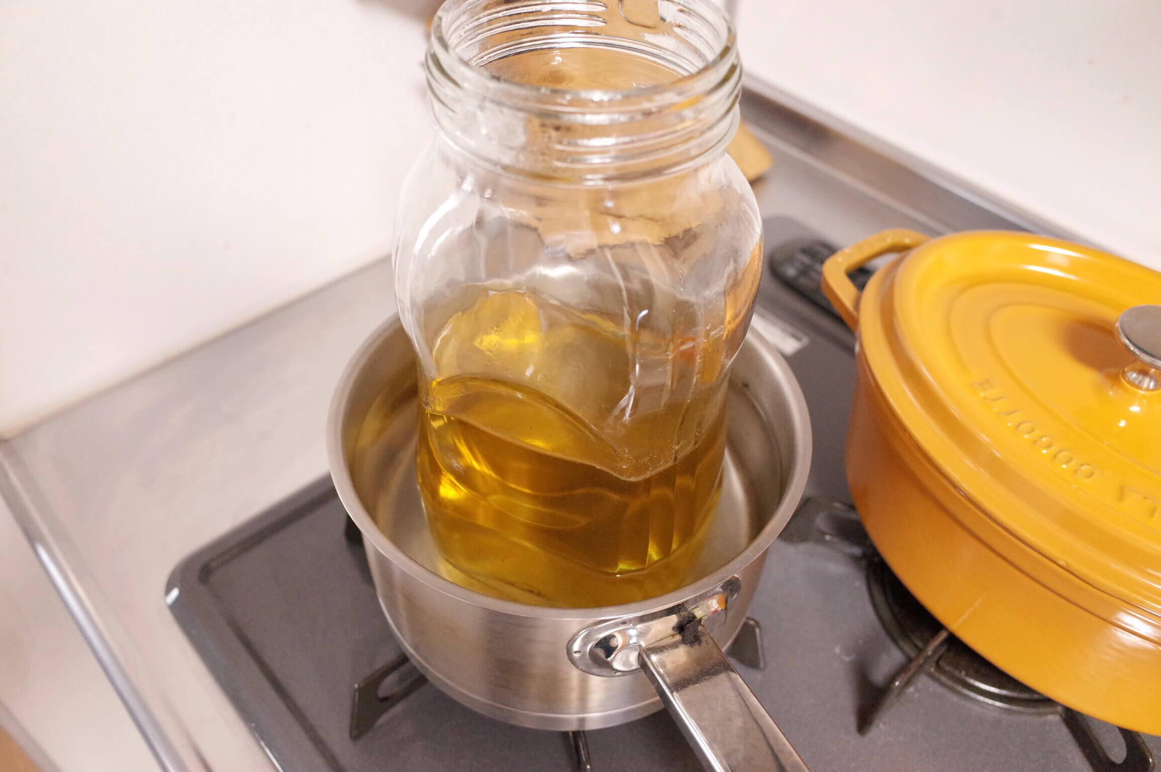自家製梅ジュースを漬け込んで一ヶ月経過 長期保存のために梅の取り出しと加熱殺菌