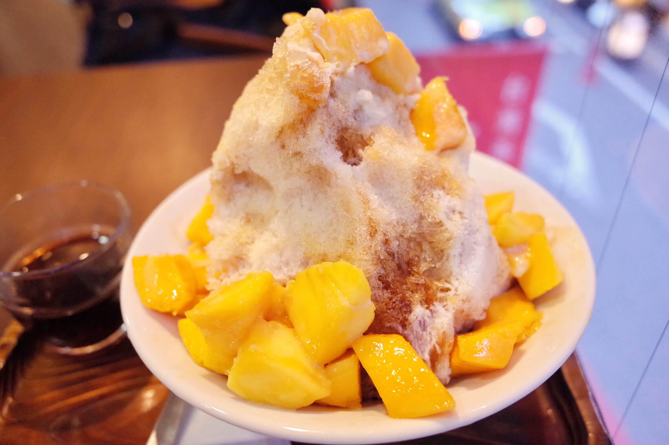 銀座『三徳堂』でアップルマンゴーかき氷!台湾産の最高級完熟マンゴーがまるごと一個はいってる