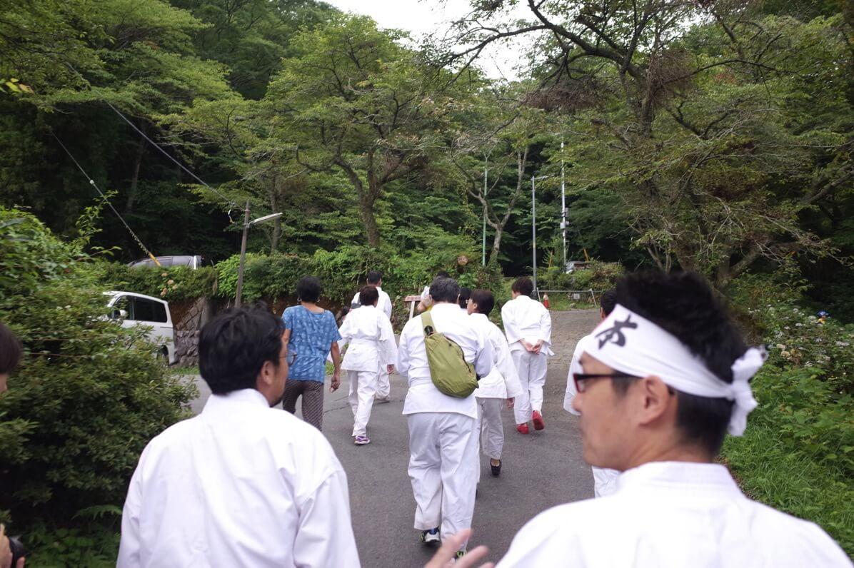 新松田 滝行 夕日の滝