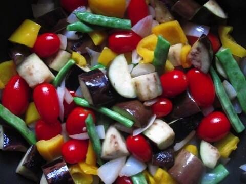 8月が旬の食材 野菜編 〜 夏バテしないためにも色の濃い野菜をしっかり食べよう!