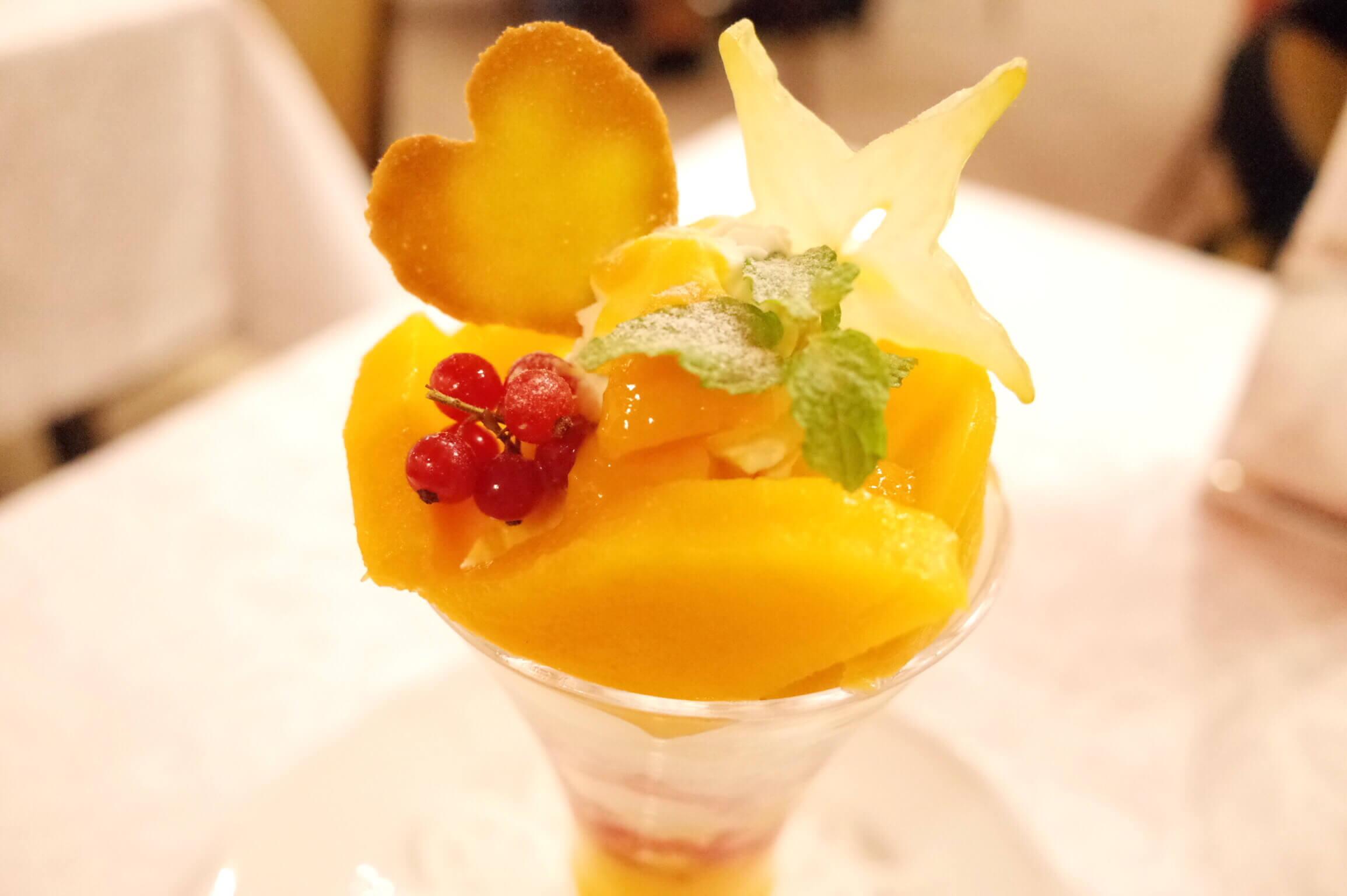 銀座 資生堂パーラー8月の限定パフェ は「キーツマンゴーのパフェ」!幻のマンゴーはねっとり濃厚
