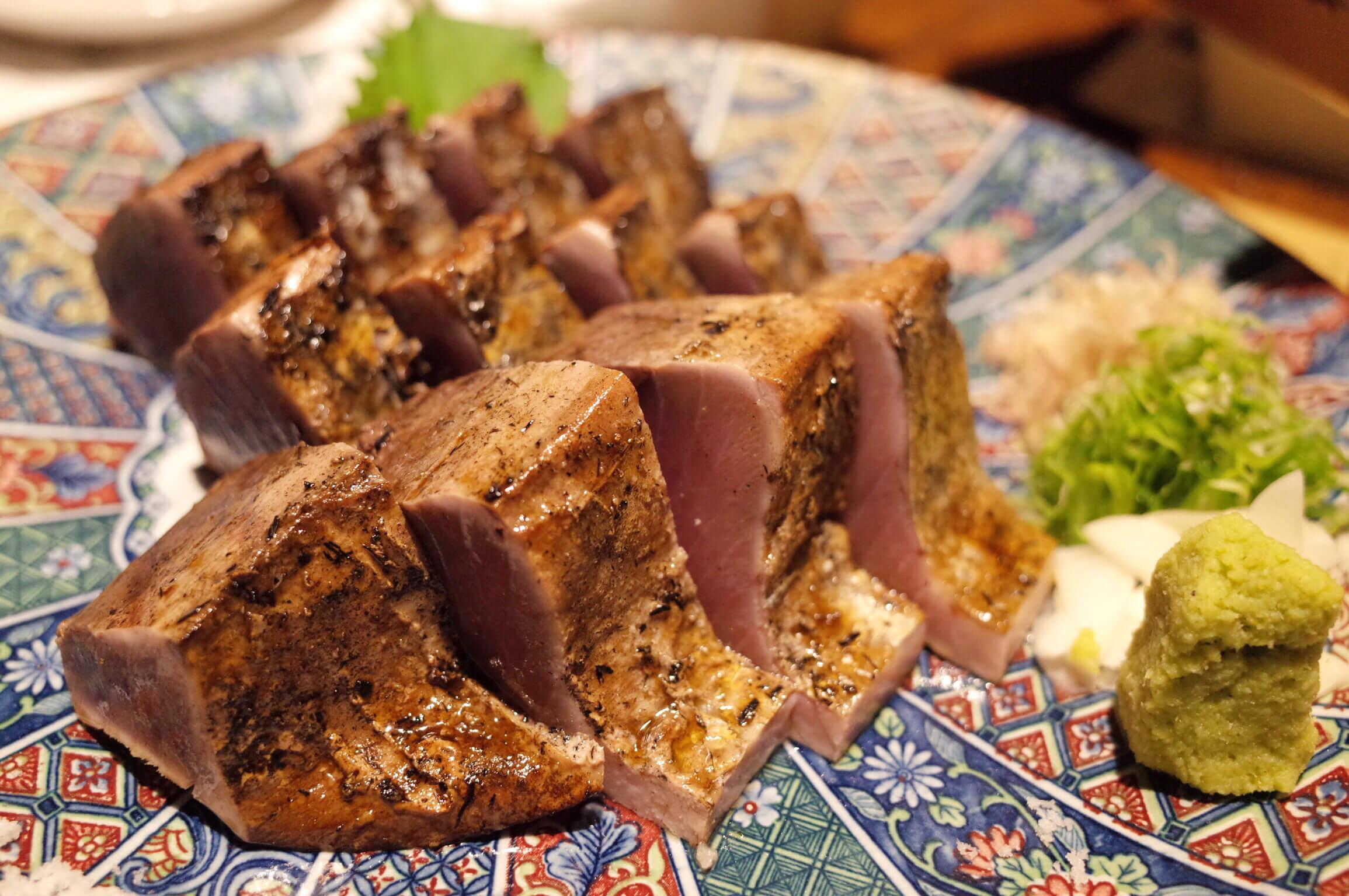 わらやき屋 六本木 〜 鰹のたたきが本格わら焼きでヤバいくらい旨い!土佐料理が楽しめてデートにもおすすめ