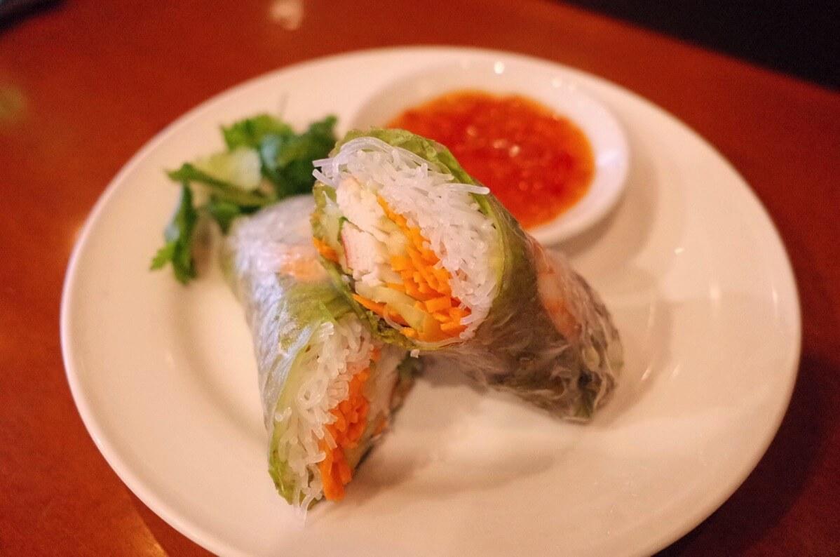 アジアン麺  西新宿5丁目 生春巻き