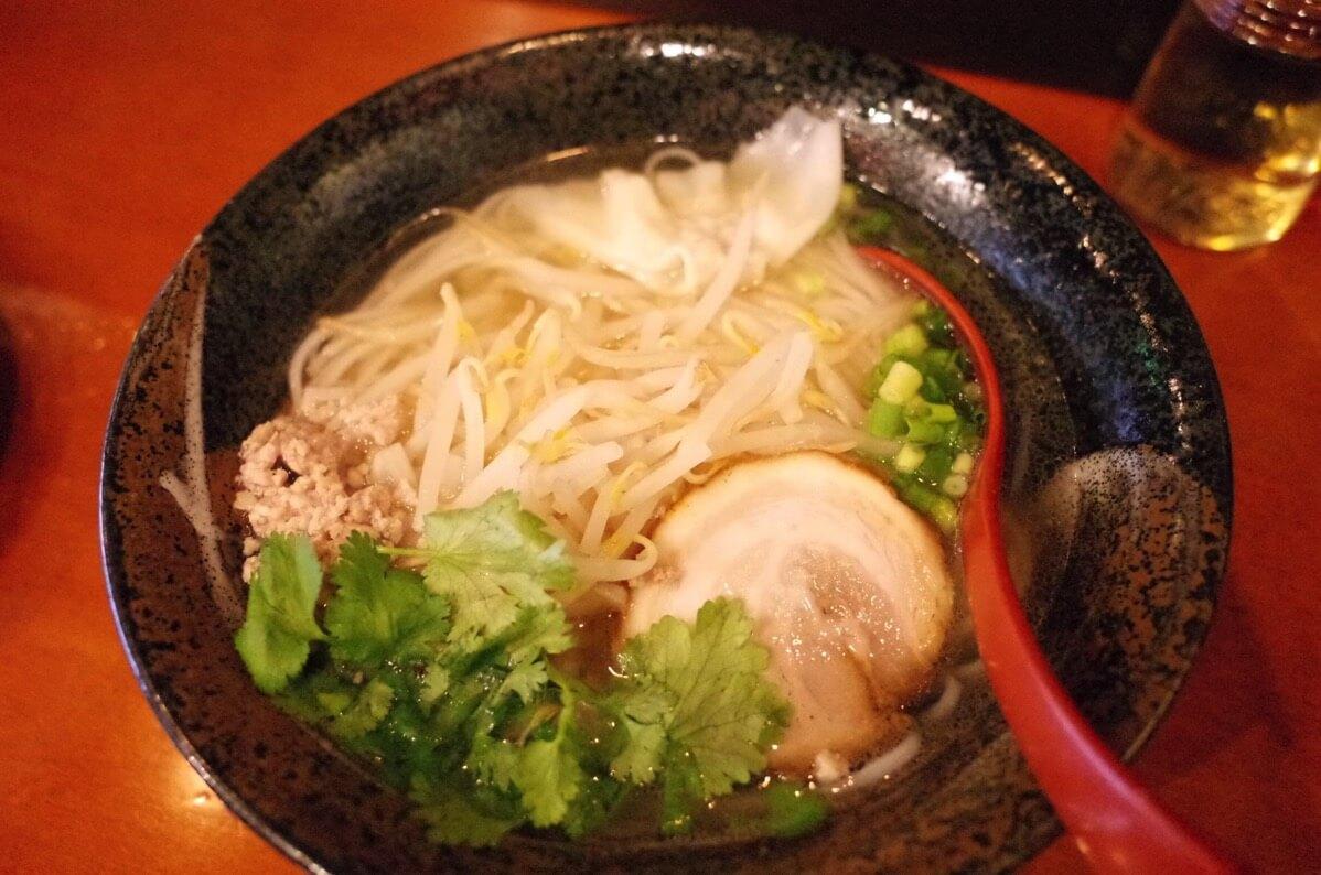 アジアン麺  西新宿5丁目 フォー