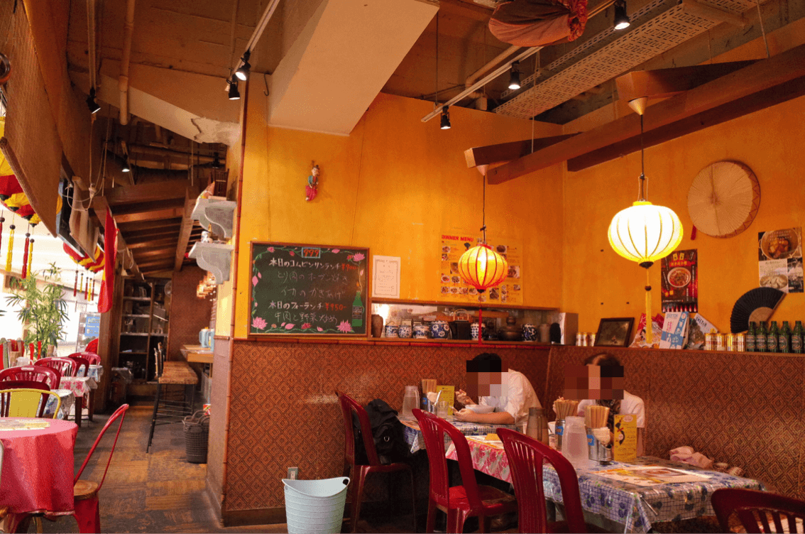KHANHのベトナムキッチン 銀座999 店内