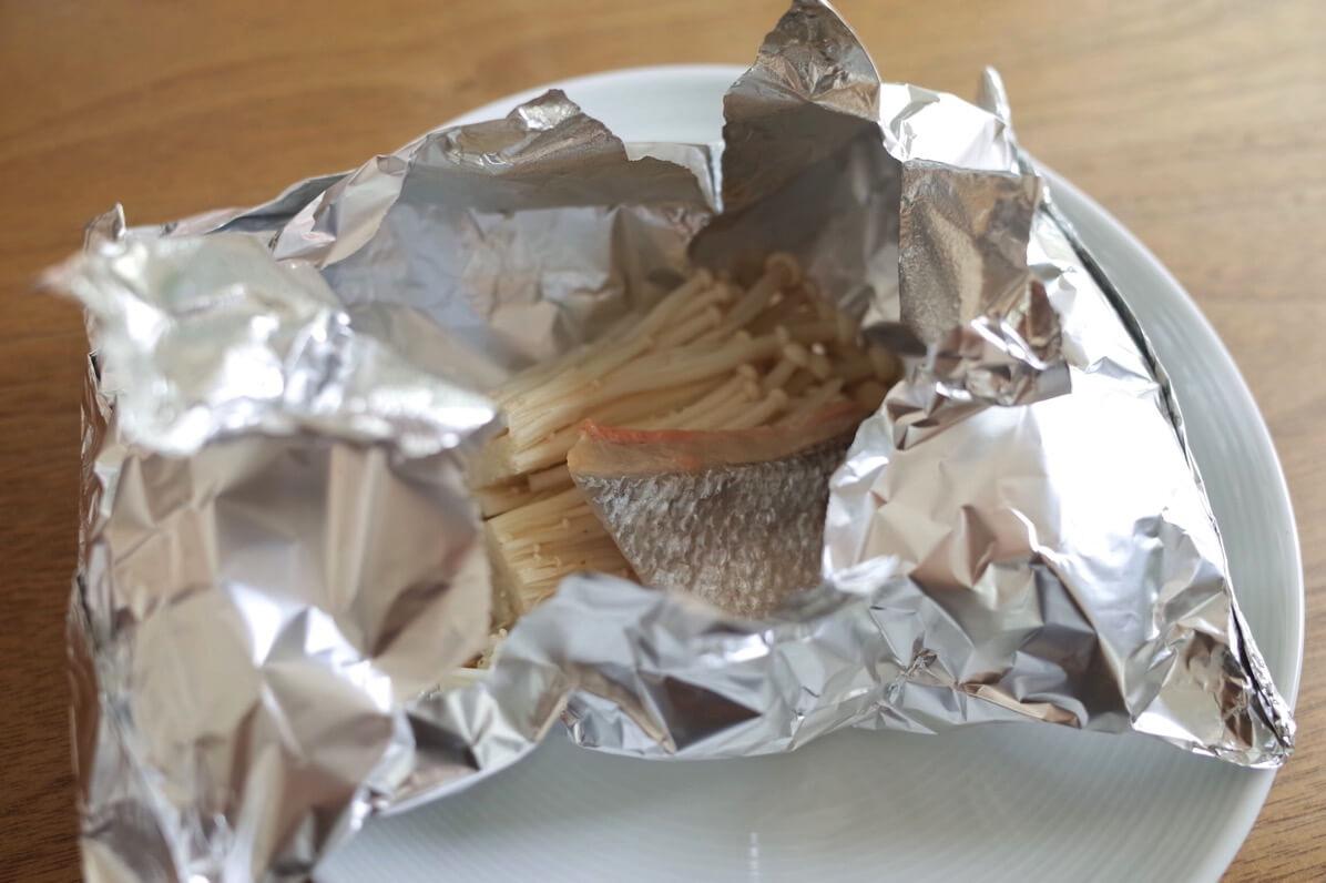 失敗しないホイル焼きの包み方レシピ〜鮭や鱈に火が通るタイミングがわかる