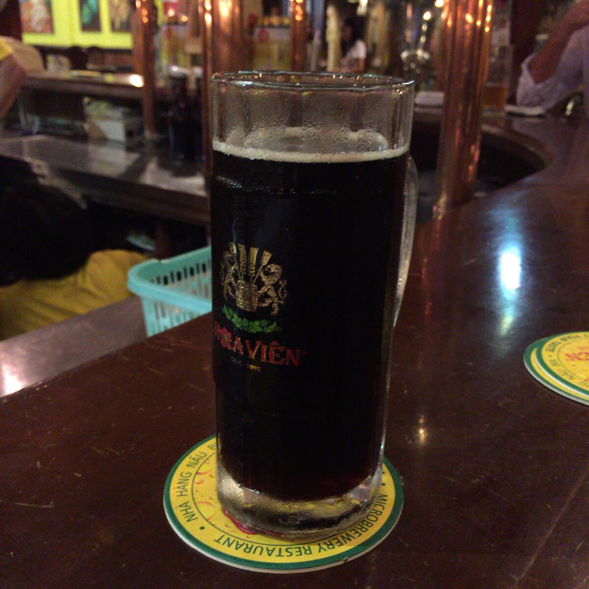 ホーチミン 黒ビール