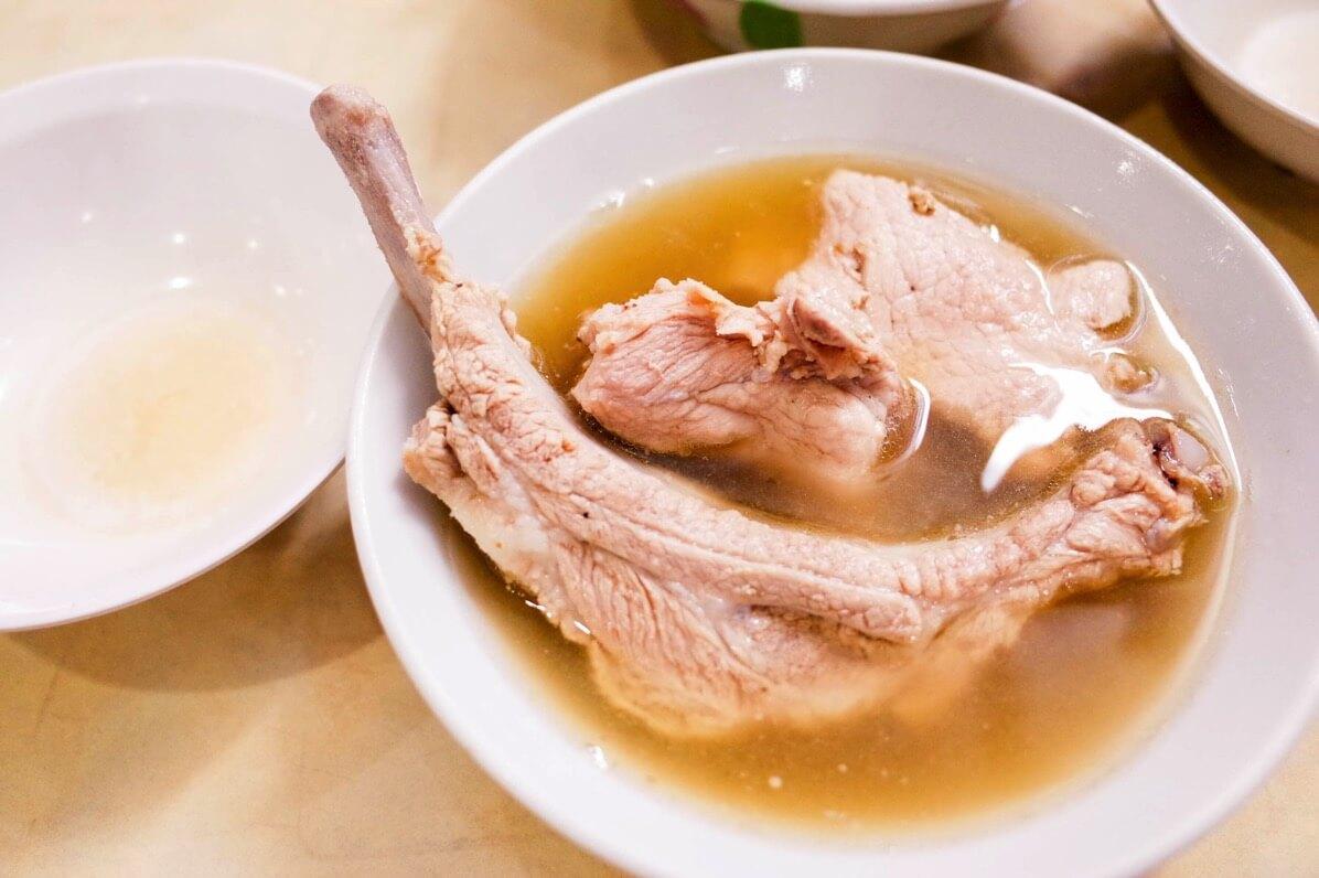 発起人肉骨茶餐館 〜 シンガポール超人気店のパクテーは白コショウが効いてピリッとスパイシー