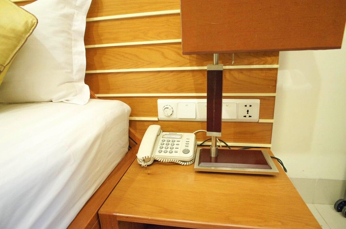 ホアン・プオン・ホテルのベッド周辺