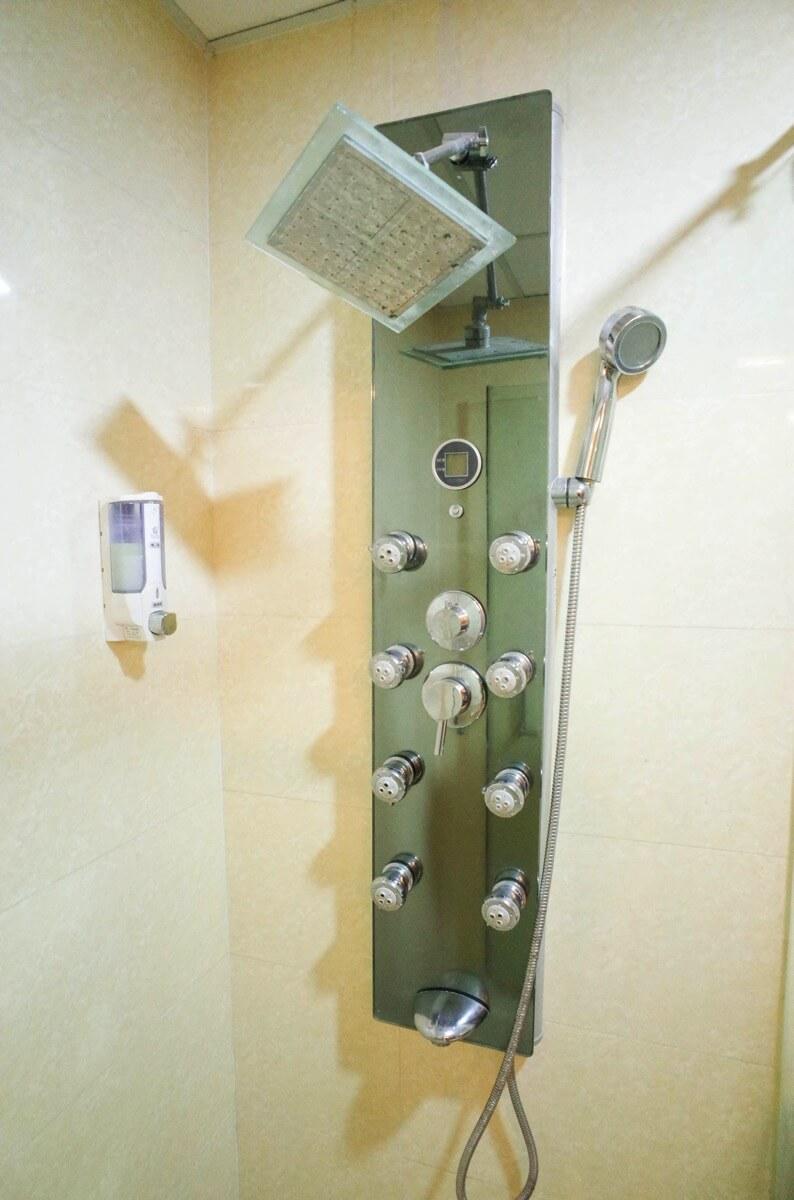 ホアン・プオン・ホテルのシャワー