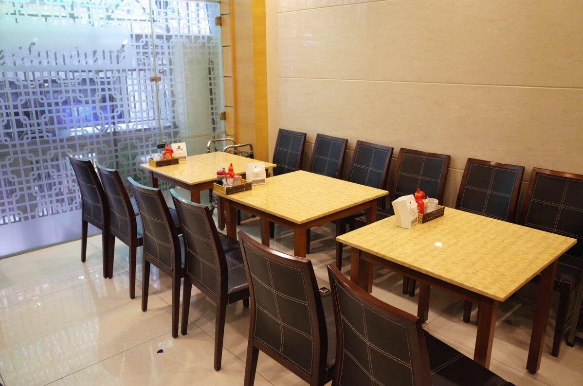 ホアン・プオン・ホテルの朝食会場