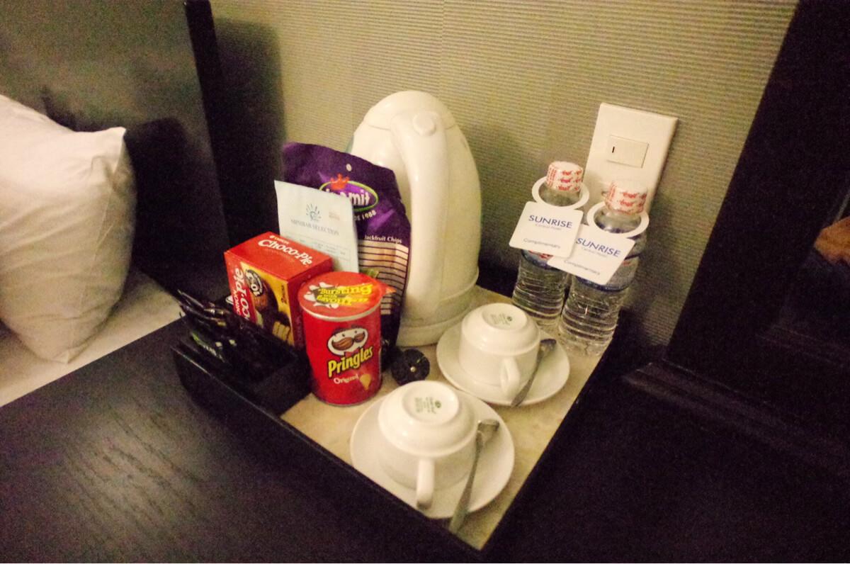 サンライズセントラルホテルの部屋にある飲み物