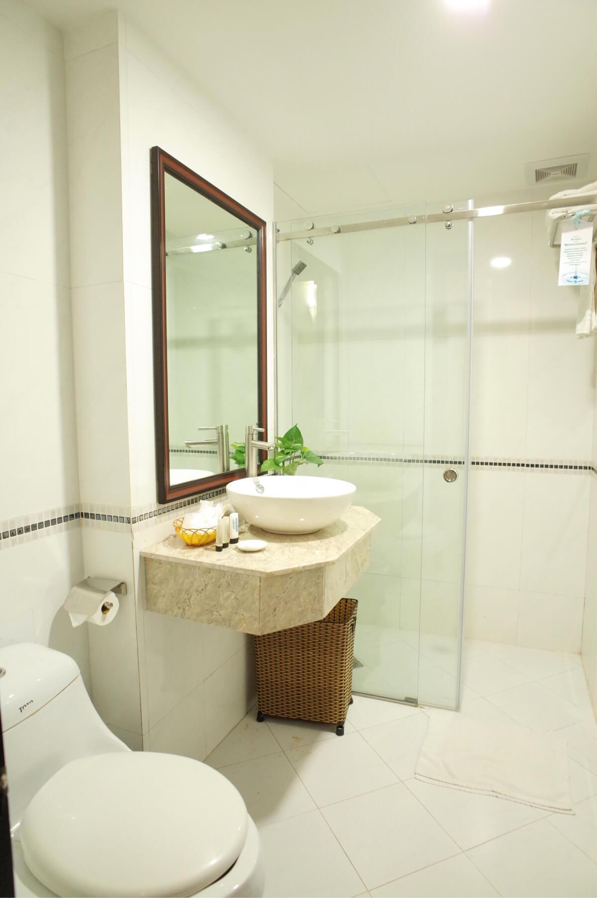 サンライズセントラルホテルの洗面所