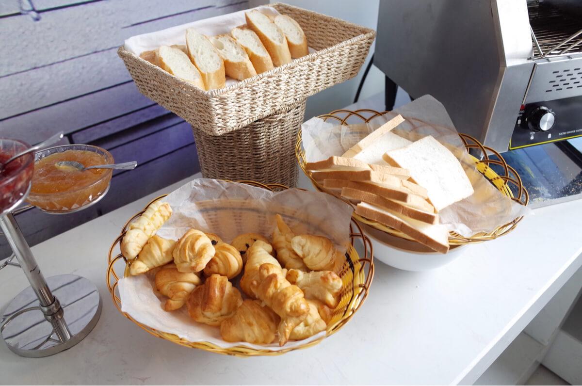 サンライズセントラルホテルのパン類