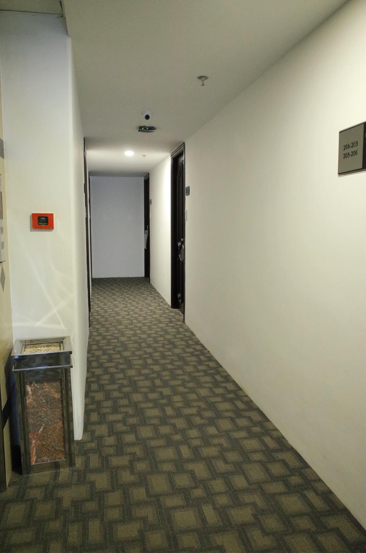 サンライズ 廊下