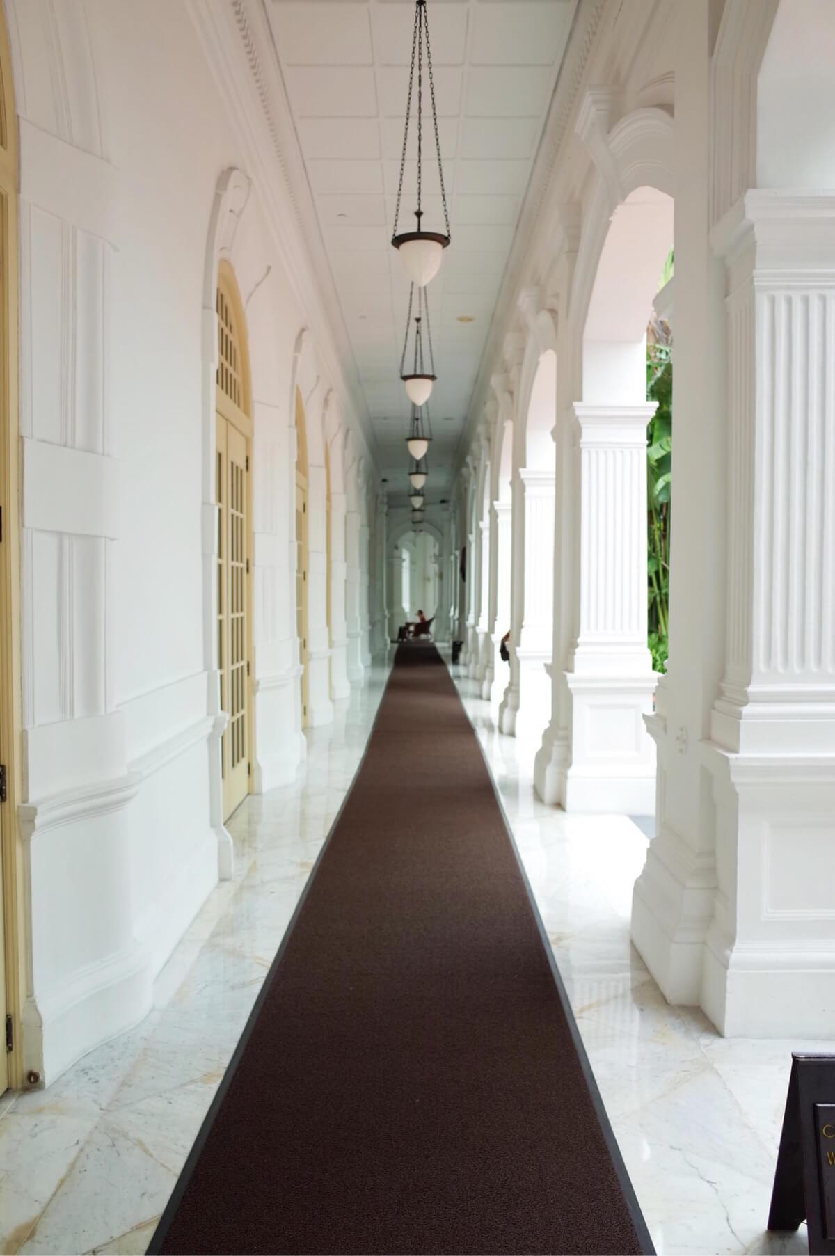 ラッフルズホテル廊下