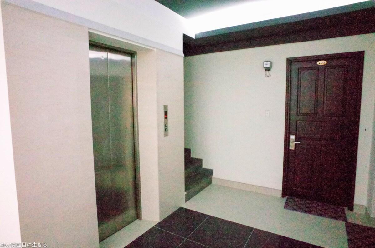 階段 エレベーター