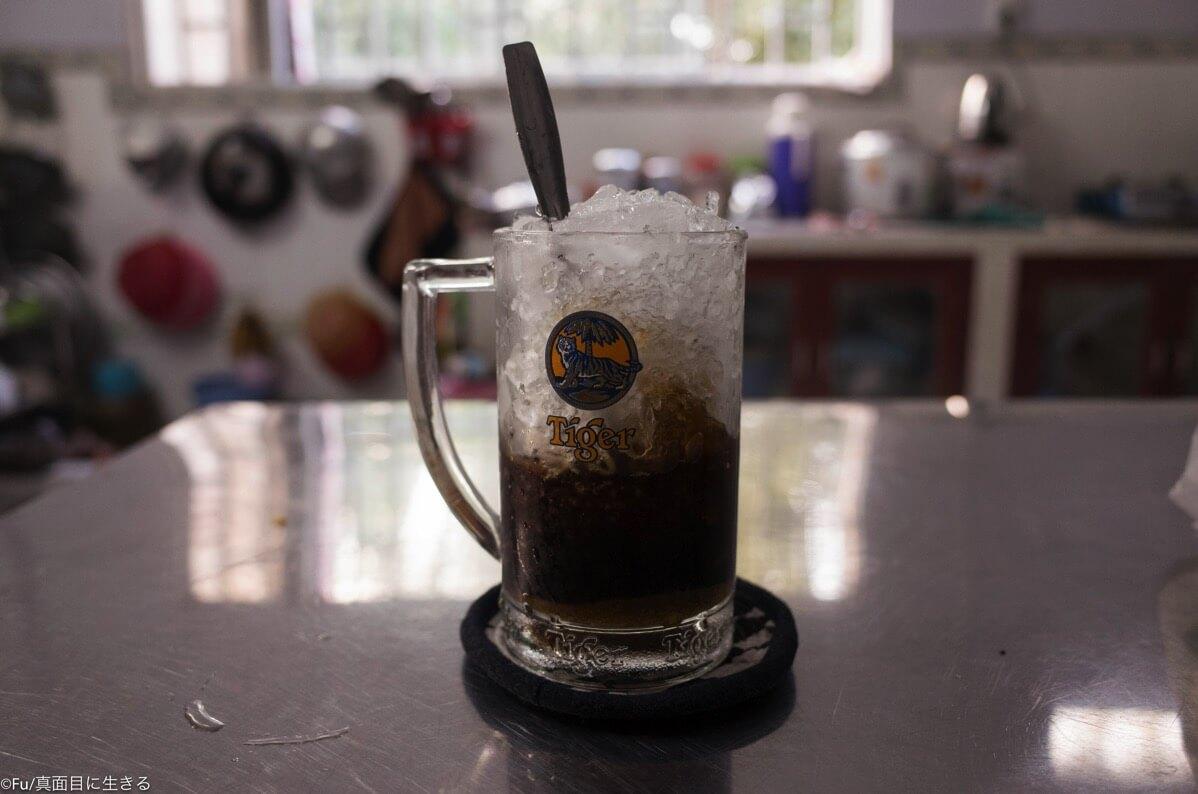 砂糖たっぷりのアイスコーヒー