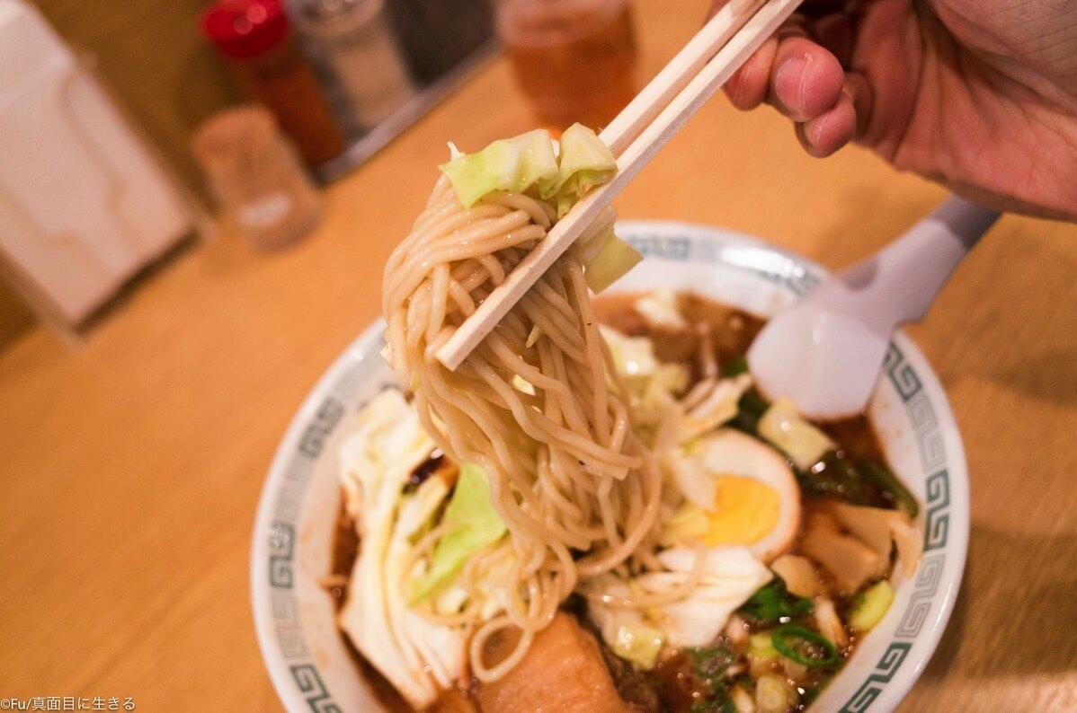 桂花ラーメン 麺リフト