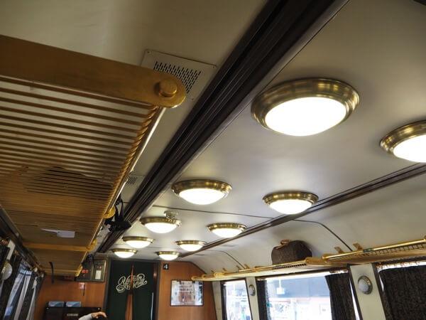 車内ライト天井