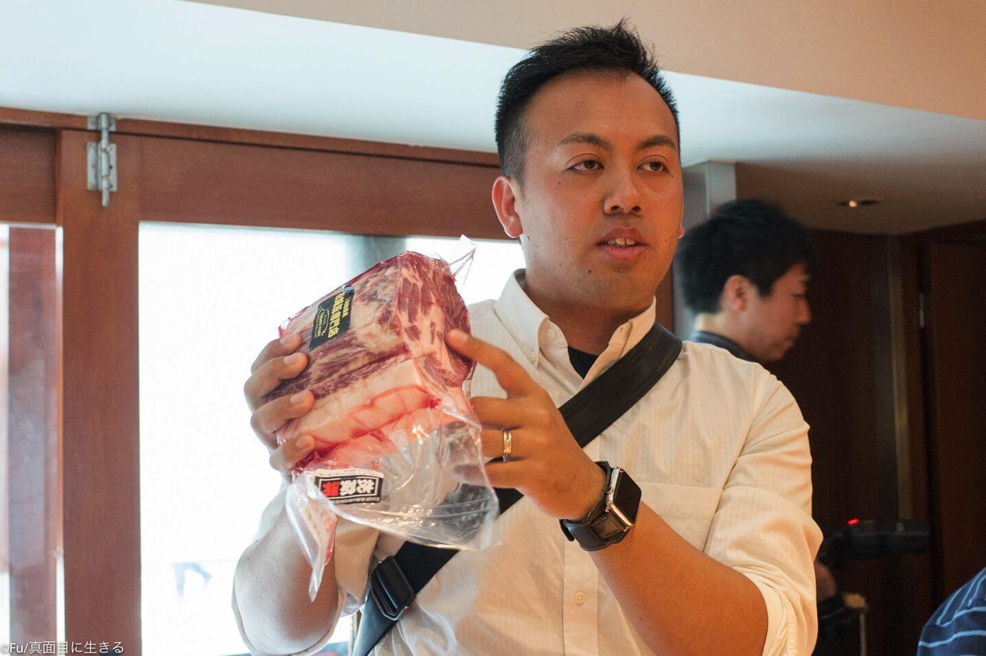 豚を語る橋本さん