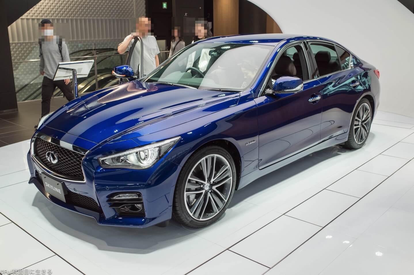 日産の車 青
