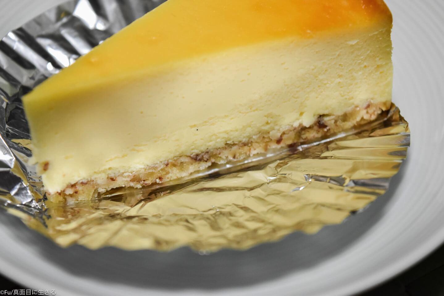 チーズケーキ下のクランチ