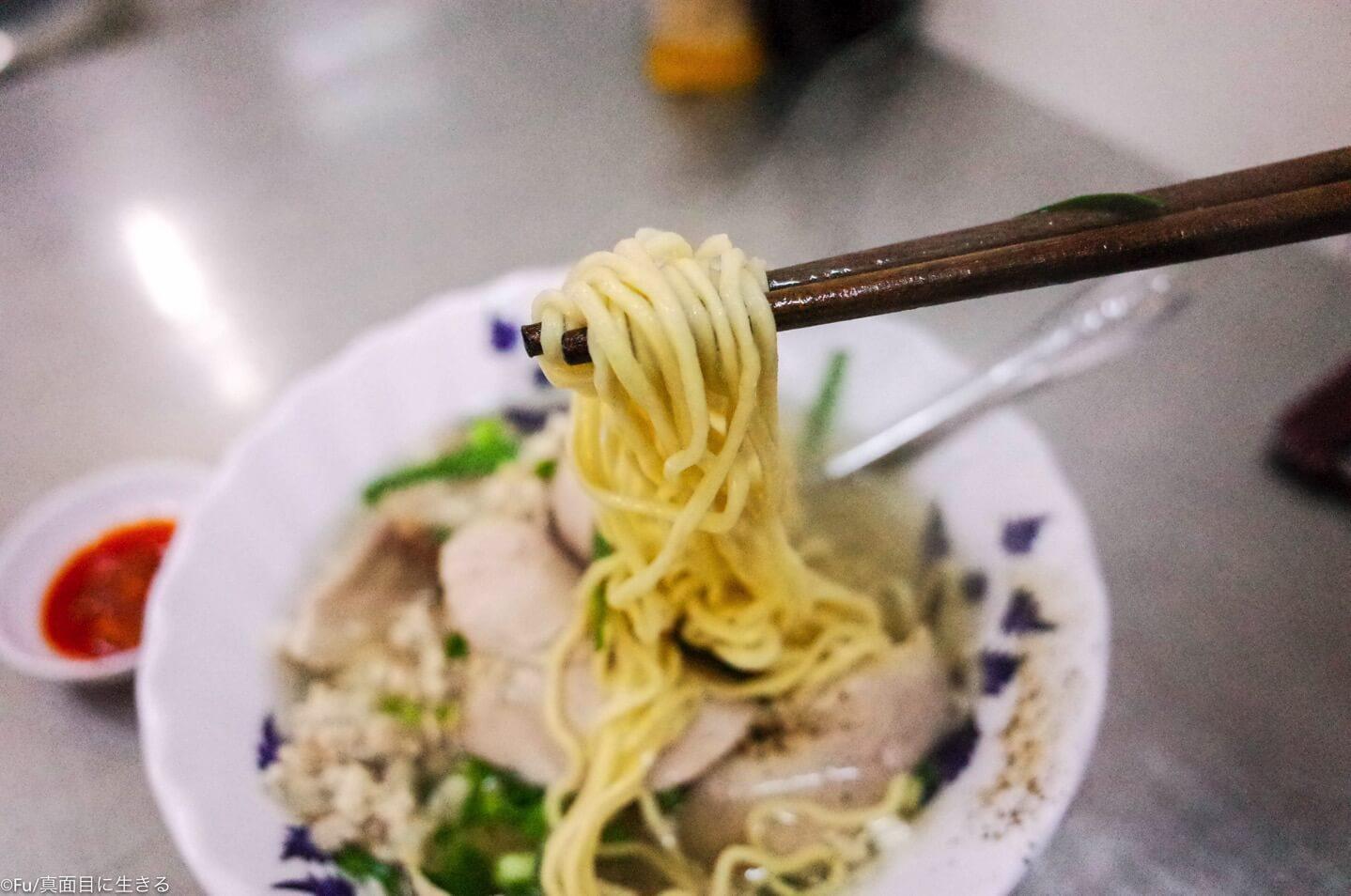ホーチミン第1区 ベンタイン市場近くのベトナム風ラーメン屋「Hu Tieu Mi Thap Cam」(フーティウミータップカム)