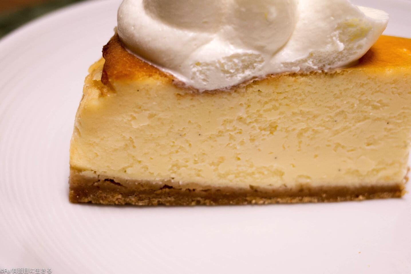 チーズケーキ側面